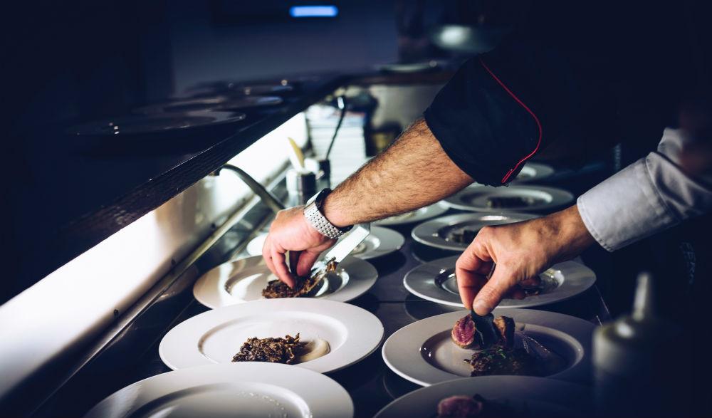 Cómo levantar un negocio de hostelería con estos sencillos pasos